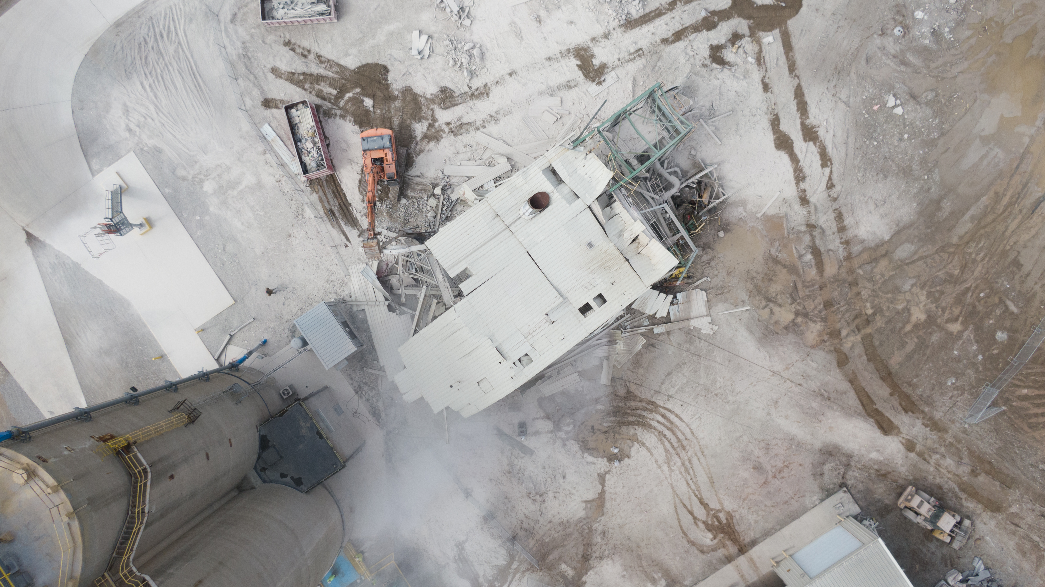 scm-demolition-pull-building-0419